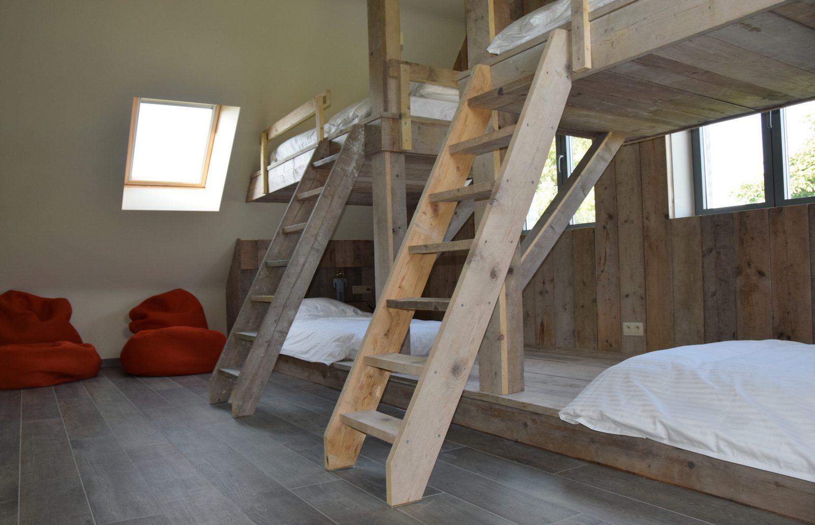 Kinderkamer met 4 slaapplaatsen